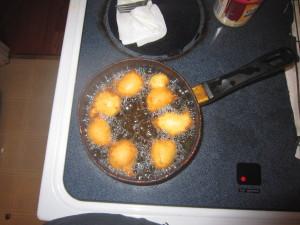 Homemade donut holes for breakfast.  Hmmmm~