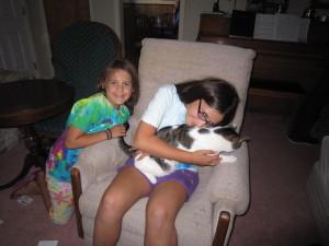 Niah found Mandi's cat.  Niah LOVES animals!