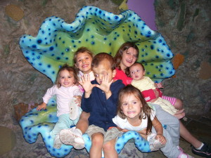 This was Keri's first trip the the Aquarium.  This picture is 7 years old.  They have all grown up so much!